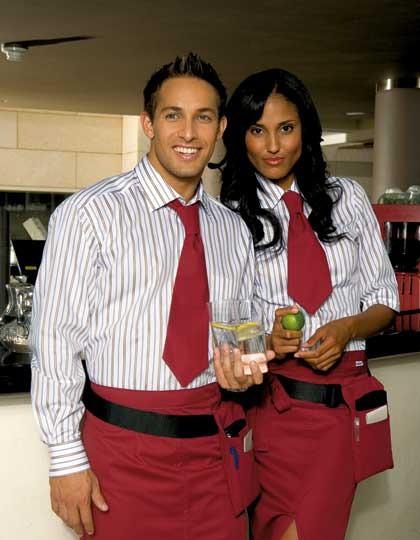Arbeitskleidung in der Gastronomie für einen prägnanten Auftritt | Foto: textil-one.de